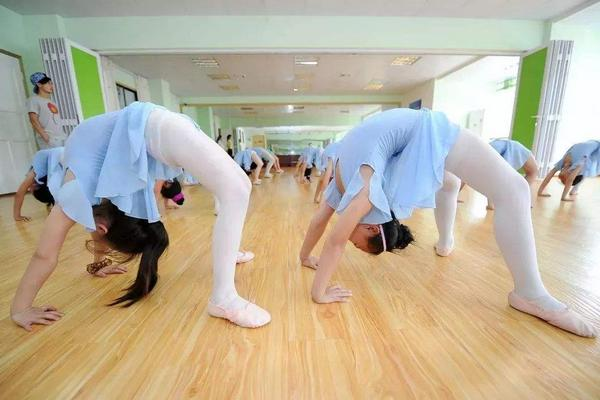 舞蹈基本功有什么